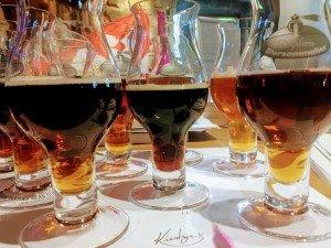 Auswahl an dunklen Bieren