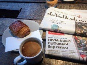 Frühstück im Coffeeshop (Zeitung wurde nicht gelesen!)